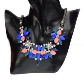 Masivní květinový náhrdelník modrý