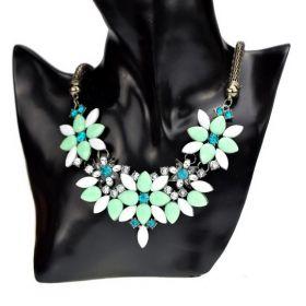 Dámský květinový náhrdelník mátový