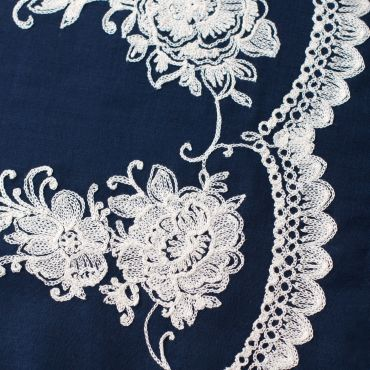 ArtOfPolo pareo na plavky Romantická květina Bílé